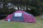 namiot na polu namiotowym